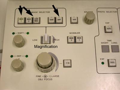 A JEM-1010 magnification control panel